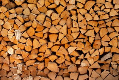 Brennholzgewicht können Sie berechnen.