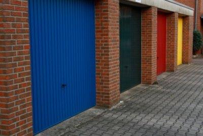 Der Garagenbau verursacht Kosten für Hausbesitzer.