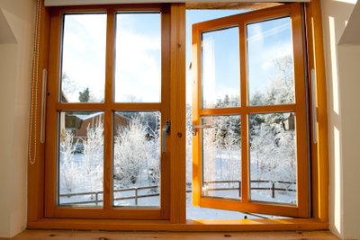 In der Parterrewohnung die Fenster sichern.