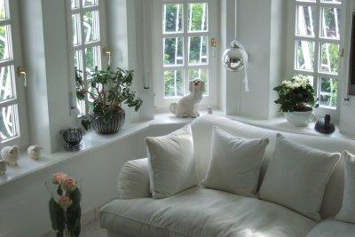 Helle Polstermöbel sind reinigungsintensiv.