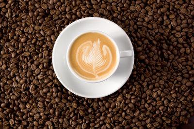 Espresso coretto ist ein beliebtes Kaffeegetränk.
