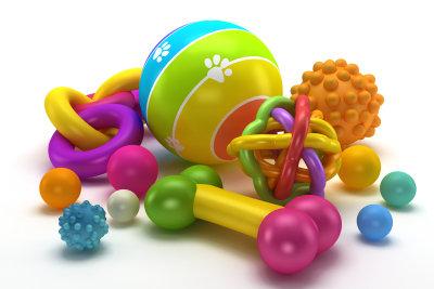 Spielzeuge für einen Welpen.