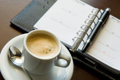 Kaffee trinken gehen oder selber brühen?