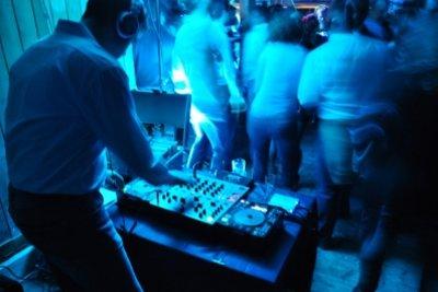 Der DJ in seinem Element.