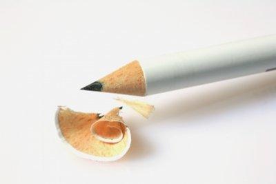 Zeichnen Sie ein Dreieck mit Bleistift.
