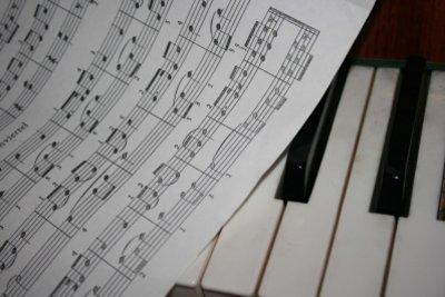 Bach schrieb Sonette für das Klavier.