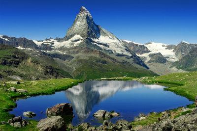 Die Alpen sind ein klassisches Faltengebirge.