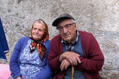 Werden Sie zufrieden gemeinsam alt.