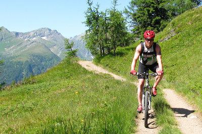 Radfahrer haben oft Knieprobleme.