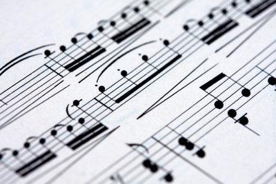 Bass- und Violinschlüssel unterscheiden