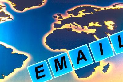 E-Mails mit Labels verwalten.