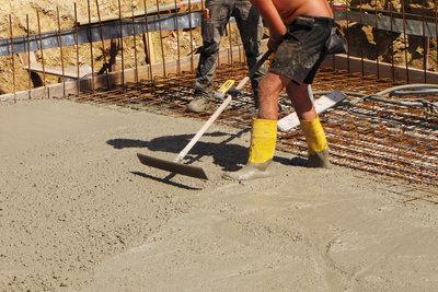 Betonieren - im Winter eine riskante Angelegenheit.