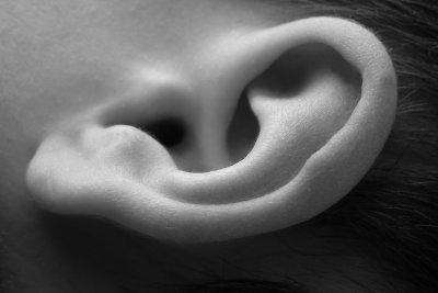 Prüfen Sie ein gebrauchtes Hörgerät gut.