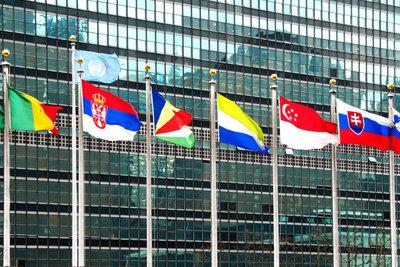 Die UNO verfolgt wichtige Aufgaben.