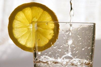 Stilles Mineralwasser oder lieber Sprudel?