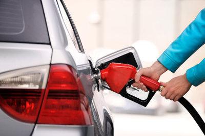 Verbrauchtes Benzin muss nachgetankt werden.