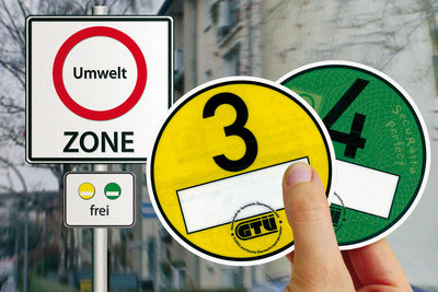 Die grüne Feinstaubplakette erlaubt freie Fahrt.