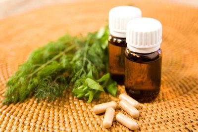 Viele Pflanzenheilmittel helfen ausgezeichnet bei Wechseljahrbeschwerden.