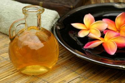 Traubenkernöl eignet sich für eine Massage.