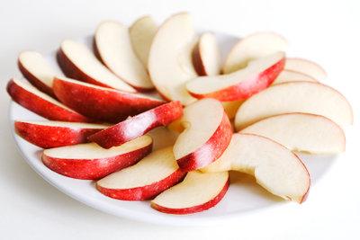 Aus Äpfeln wird Most gemacht.