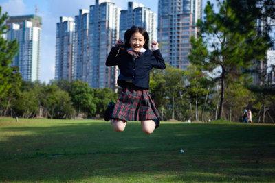 Angus Youngs Markenzeichen ist die Schuluniform.