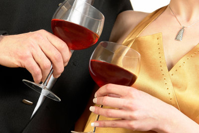 Sherry und Portwein verlangen kleinere Gläser.