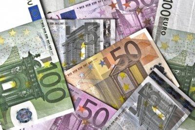 Verschenken Sie Geldscheine in Schwanenform.