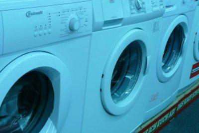 Wechseln Sie den Filter der Waschmaschine.