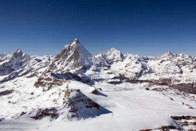 Freie Fahrt in die schweizer Wintersportzentren.