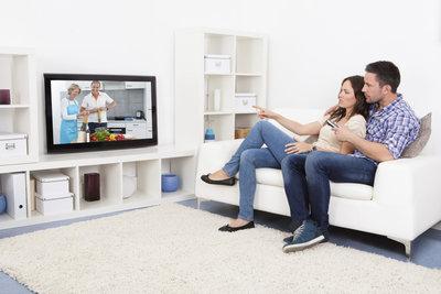 Haben Sie den Fernseher erst einmal richtig angeschlossen, können Sie Ihren Lieblingsfilm genießen.