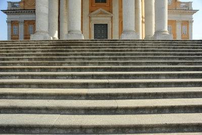 Optimale Stufenhöhe für sicheren Tritt