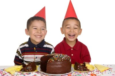 Zu einem Fest gehört ein Kuchen.