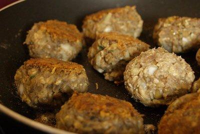 Vegetarische Köttbullar aus Linsen und Haferflocken