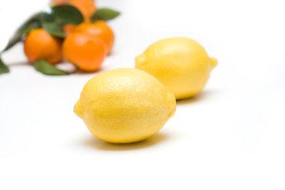 Zitronen schmecken wundervoll als Torte.