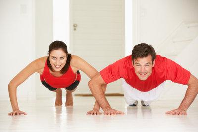 Liegestütze sind Bestandteil des Fitnesstests.