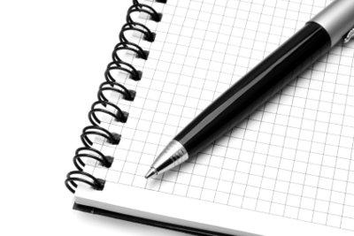 Kugelschreiber können unschöne Flecken verursachen.