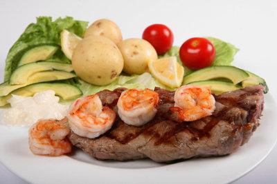 Kartoffeln passen zu vielen Gerichten.