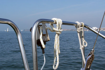 Ein Yachtführerschein ist immer ein Sportbootführerschein.