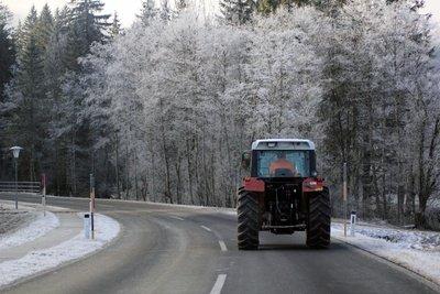 Ab 16 Jahren Traktor fahren
