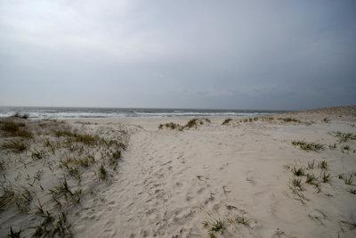 In Holland finden Sie schöne Sanddünen.