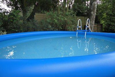 Berechnen Sie den Rauminhalt Ihres Pools.