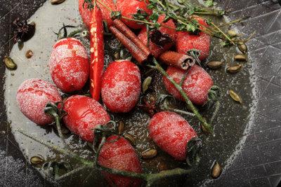 Gebratene Tomaten sind lecker.