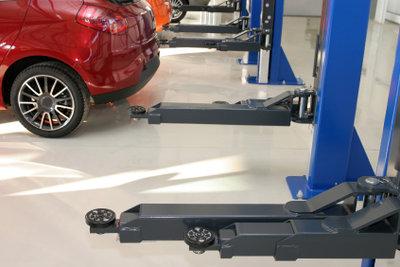 Reifenwechsel in freier Werkstatt selbst erledigen