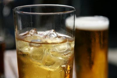 Cider und Apfelbier sind verschiedene Getränke.