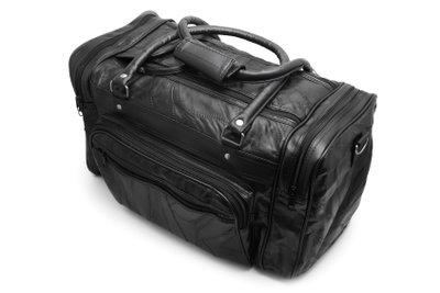 Auch eine Reiseapotheke gehört ins Gepäck.