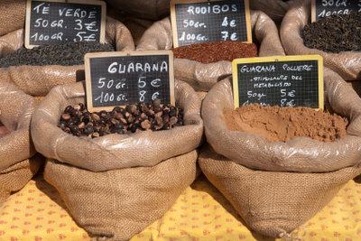 Kaufen Sie besser Guarana-Produkte anstatt Pflanzen.