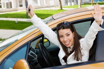 Nach bestandener Führerscheinprüfung auf zur Führerscheinstelle.