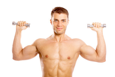 Bestimmte Übungen bauen die Brustmuskulatur auf.
