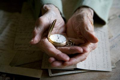 Demenzerkrankte leben oft in der Vergangenheit.