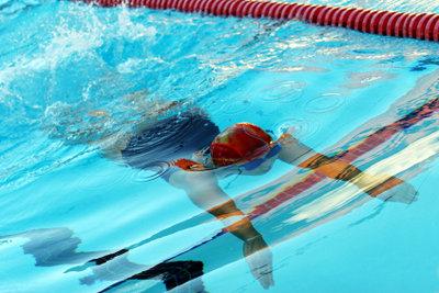 Schwimmen ist ein gesunder Sport.